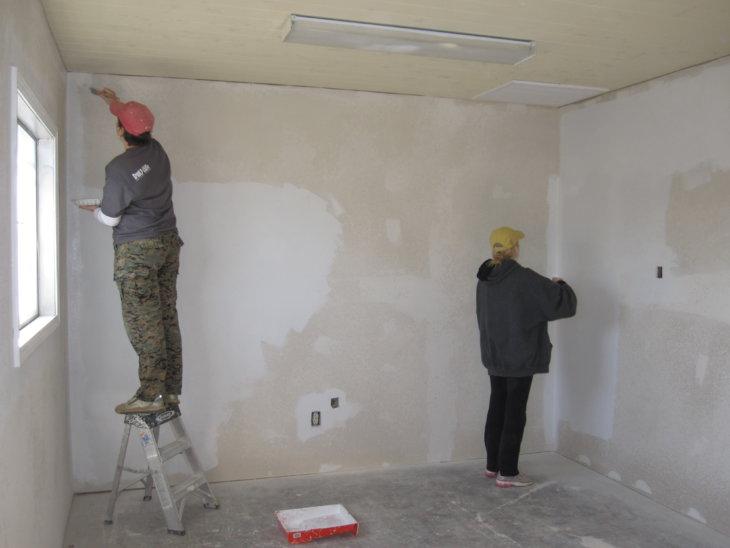 Грунтовка для стен под покраску своими руками, преимущества использования материала